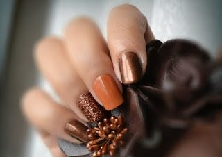 Autumn nail ideas that are so simple and easy. Anyone can do them!