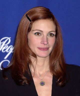 We love us some vintage Julia Roberts, seen here with gorgeous reddish locks.