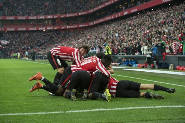 ATHLETIC CLUB -ATLETICO DE MADRID por perinero - PARTIDOS (1ª plantilla) // Pretemporada-Entrenos - Fotos del Athletic Club de Bilbao, La galeria de fotos más extensa de los aficionados al Athletic. Comparte tus fotos del Athletic