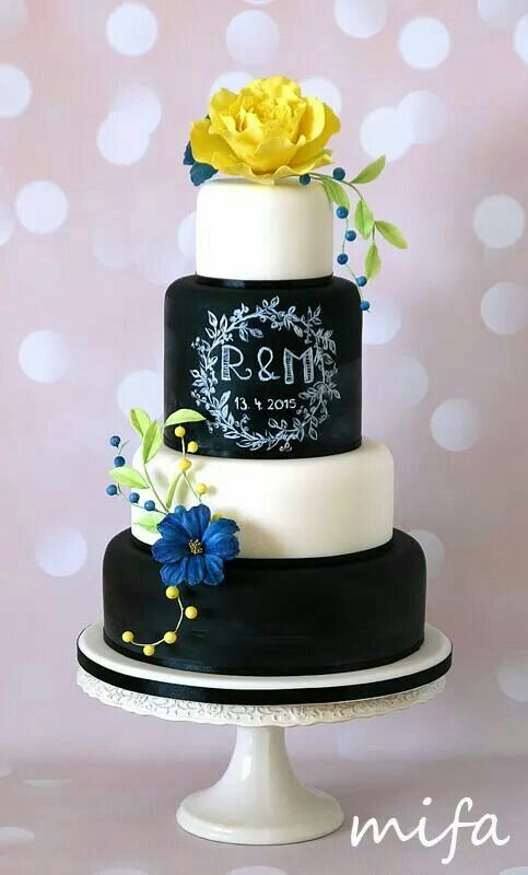 Chalkboard wedding cake by Mifa
