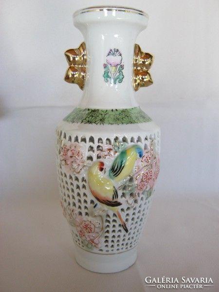 Díszes áttört porcelán lámpatest