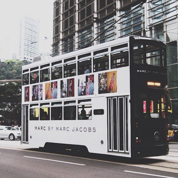 #Fashion #Marketing Outdoor advertising Marc Jacobs