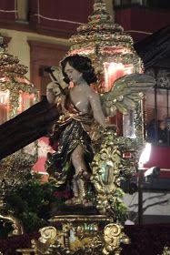 En la mañana del Miércoles Santo me presenté bastante temprano en la Basílica del Gran Poder para contemplar los pasos, ya que éste es...
