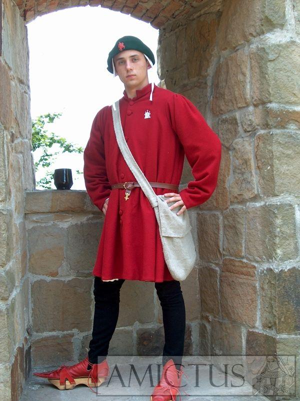 Ubiór męski składajacy się z dubletu, nogawic pełnych z saczkiem i robe. Druga połowa XV wieku.