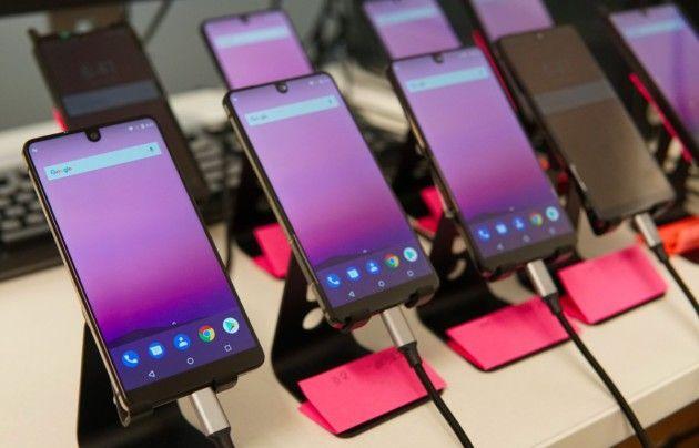 L'Essential Phone rate sa date de sortie, où en est le projet ? - http://www.frandroid.com/produits-android/smartphone/448107_lessential-phone-rate-sa-date-de-sortie-ou-en-est-le-projet  #Produits, #Smartphones