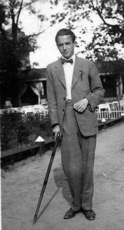 Henry George William Parland (29. heinäkuuta 1908 Viipuri – 10. marraskuuta 1930 Kaunas, Liettua) oli suomenruotsalainen runoilija ja kirjailija.[1]  Parland vietti lapsuutensa Kiovassa, Pietarissa ja Karjalankannaksella, ja perheen kotikielet olivat saksa ja venäjä. Hän muutti vuonna 1920 perheineen Viipurista Kauniaisiin ja opiskeli ylioppilaskirjoitustensa jälkeen oikeustiedettä. Kauniaisissa hän alkoi opetella ruotsia, jolla hän muutamaa vuotta myöhemmin kirjoitti teoksensa.