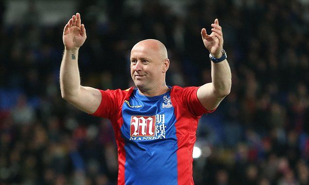 Palace cult hero Sasa Curcic joins players to celebrate