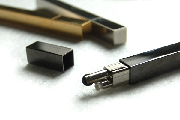QUEUE stick lighter