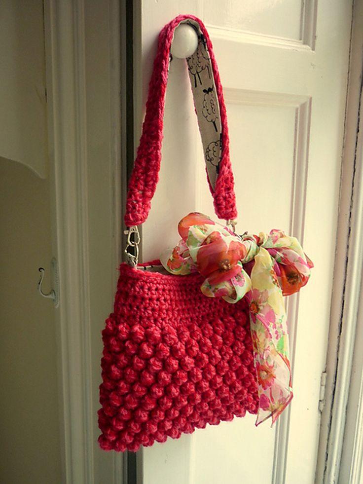 Gorgeous-Free-Crochet-Patterns-Handbags_06