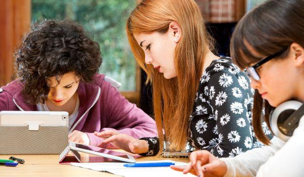 25 herramientas TIC para aplicar el aprendizaje colaborativo en el aula y fuera de ella (Infografía)