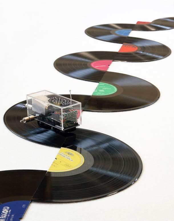 A vinyl musical circuit? – The creations of Lyota Yagi