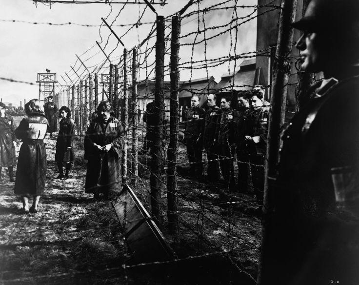 Από τη Γερμανία και την Ε.Σ.Σ.Δ. του μεσοπολέμου, στην Ευρώπη του 21ου αιώνα Δοκίμιο – Χρήστος Τσαντής ΕΡΧΕΤΑΙ ΣΥΝΤΟΜΑ ΑΠΟ ΤΙΣ ΕΚΔΟΣΕΙΣ ΡΑΔΑΜΑΝΘΥΣ Το μέλλον μοιάζει να κοιτά πίσω, μέσα από έναν αντ…