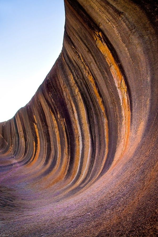Wave Rock is a natural rock formation located east of the small town of Hyden in Western Australia.