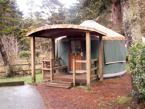 Best 25 yurt camping ideas on pinterest glamping north for Oregon state parks yurts and cabins