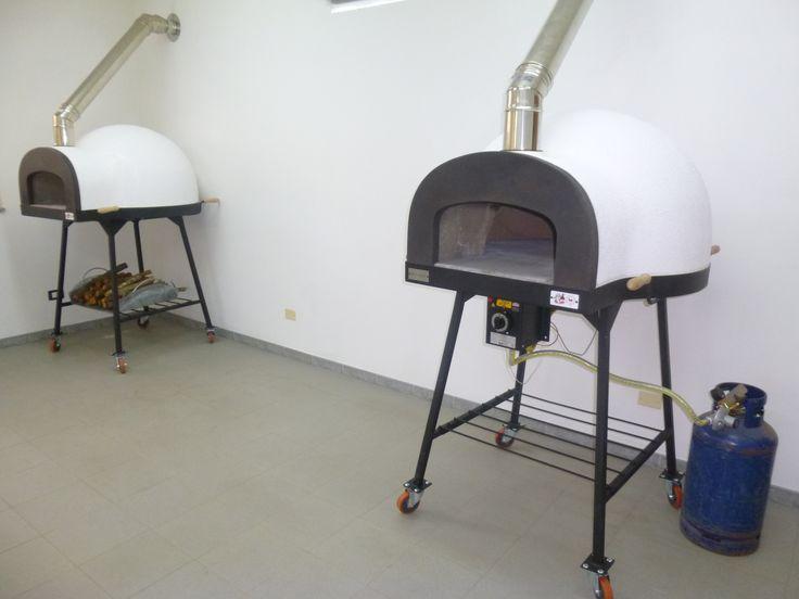 #ziociro #subitocotto #woodburningoven vs #gasoven are ready for the challenge! Subitocotto fornoalegna e subitocotto fornoagas sono pronti per la sfida! #pizzaovens #ovens #forni