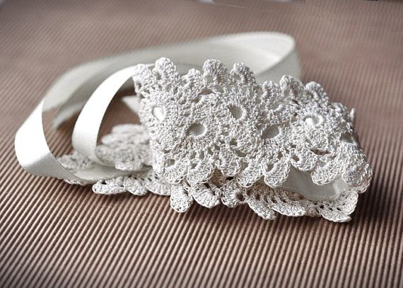 Crochet Hair For Wedding : ... Crochet hair accessories, Crocheted headbands and Wedding hair