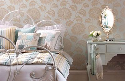 Simple wallpaper for bedroom