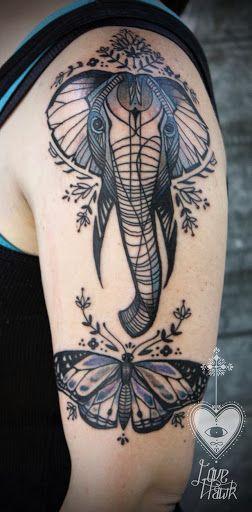 Tatouage femme éléphant et papillon