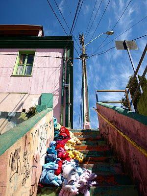 #textilkontak #art #installation #recycledclothes #stair #city #valparaiso