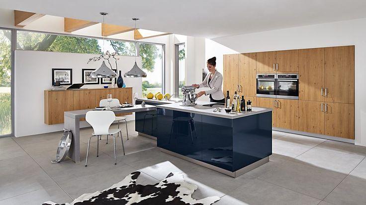 So macht Kochen Spaß. Die Einbauküche inklusive AEG-Elektrogeräten ist für Profi- und Hobbyköche gleichermaßen geeignet #kitchen #home #living #furniture #küche #dekoration
