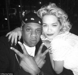 Rita Ora nega que teve caso com Jay Z #Cantora, #Disco, #Instagram, #JayZ, #Lançamento, #Loira, #M, #Noticias, #Novidade, #Pop, #Popzone, #QUem, #Status, #Traição, #Twitter http://popzone.tv/2016/04/rita-ora-nega-que-teve-caso-com-jay-z.html