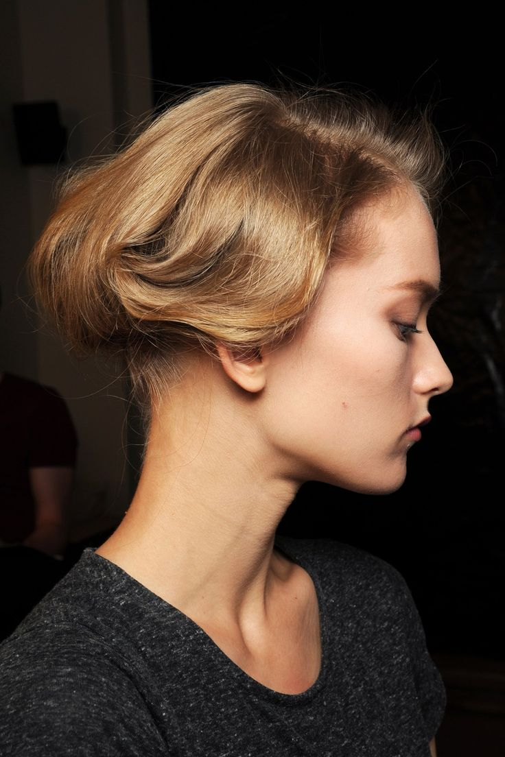 Couture Beauty: Autumn/Winter 2013-14   Giorgio Armani Prive / Hair was curled, twisted and pinned into romantic up-dos.