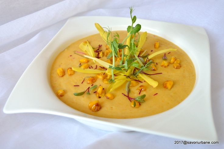 Supa crema de legume reteta simpla. O supa pasata din legume cremoasa si aromata, pe gustul copiilor. O reteta dietetica si sanatoasa. La supa crema se pun