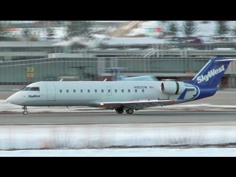 SkyWest Airlines Canadair CRJ-200 Landing at CYLW