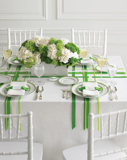 Ribbon dinner table