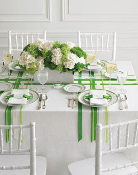 Ribbon dinner table
