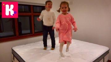 Катя выбирает мебель для комнаты Принцессы Рум Тур и яйца динозавров в шоколаде http://video-kid.com/10844-katja-vybiraet-mebel-dlja-komnaty-princessy-rum-tur-i-jaica-dinozavrov-v-shokolade.html