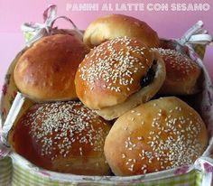 Ricette con la macchina del pane: PANINI AL LATTE CON SEMI DI SESAMO