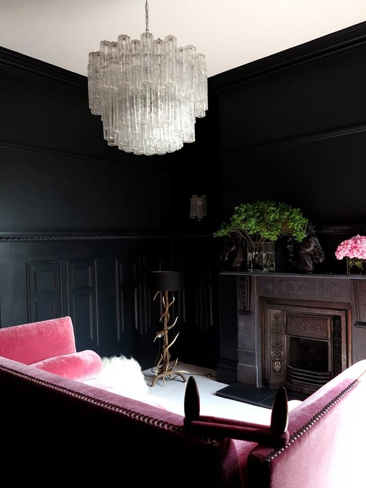 Dramatic Black Wall Detail.