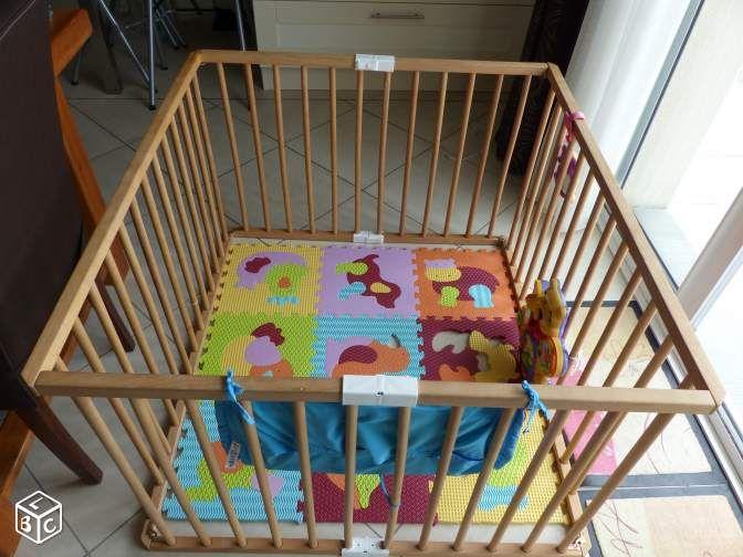 Parc pliant Combelle avec son tapis de sol mousse Equipement bébé Vienne - leboncoin.fr