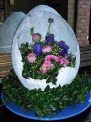 Bloemstuk - Lente in een ei