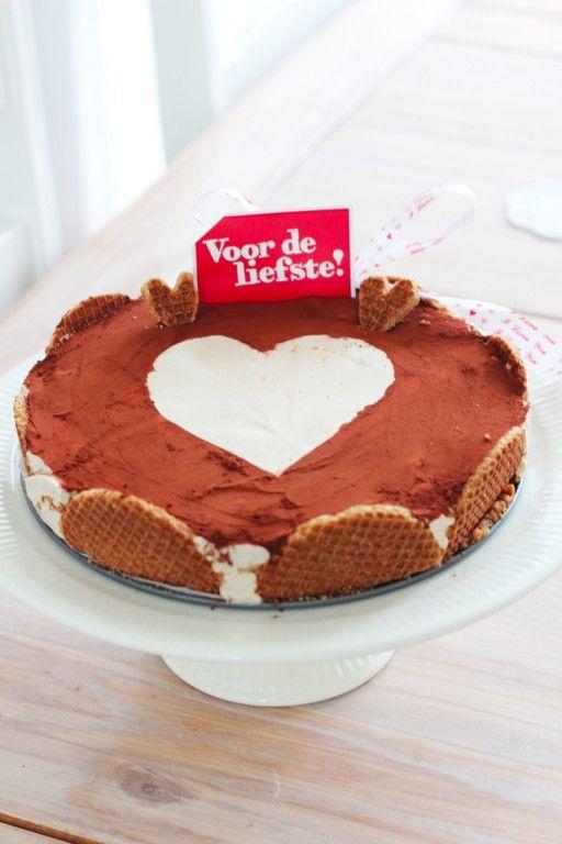 Stroopwafel and Baileys cake  http://www.culy.nl/recepten/stroopwafel-baileys-taart/