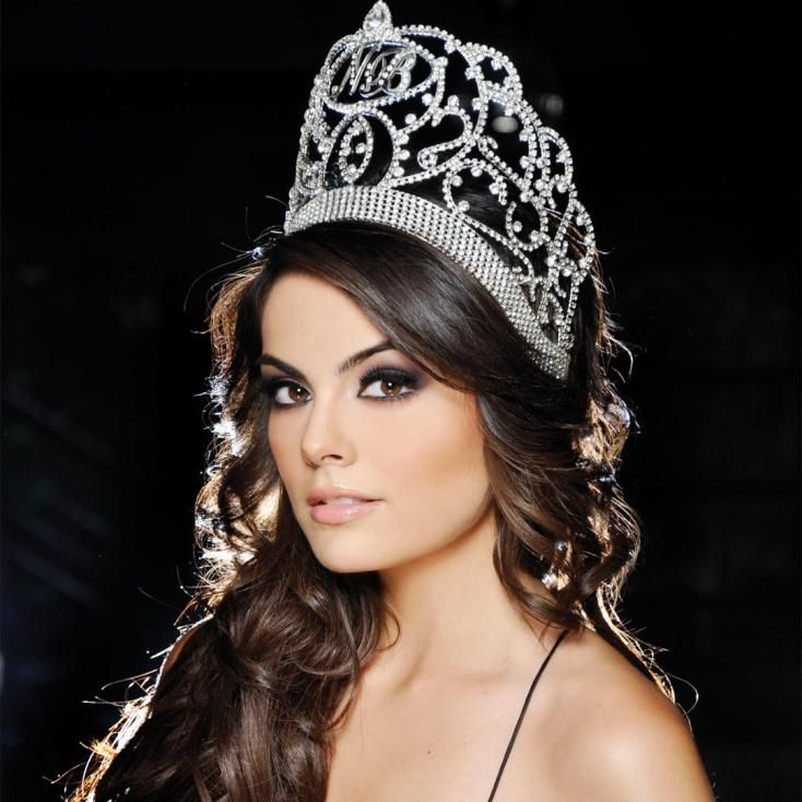 Ximena Navarrete (Mexico) - Miss Universe 2010. Height - 174 cm, measurements: bust - 88, waist - 60, hips - 90