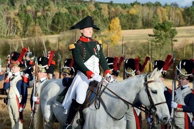 En images. #SaintCyr rejoue la bataille d'#Austerlitz
