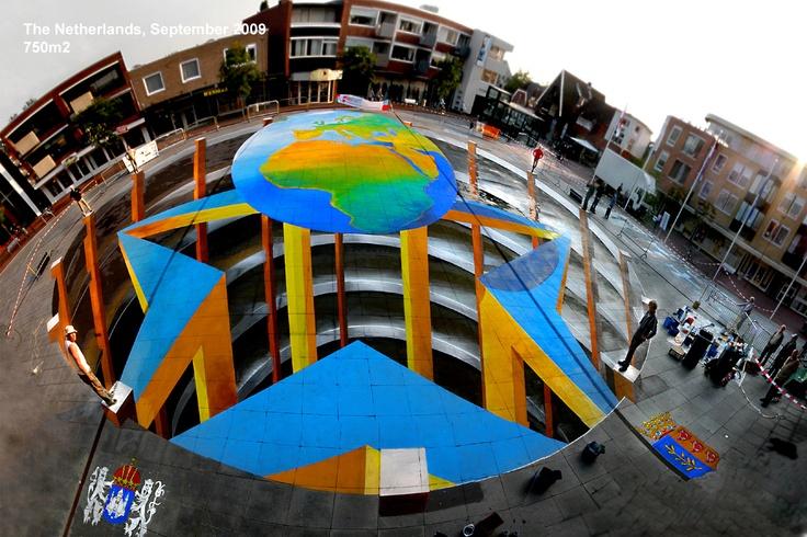 anamorphe street painting, Rijssen 2009. 750m2. Planet Streetpainting.