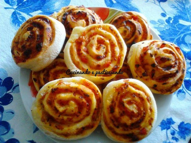 Cucinando e Pasticciando: Pizzette arrotolate