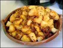 Papas con chorizo. looks really good but too bad I cant read the recipe because its in spanish...