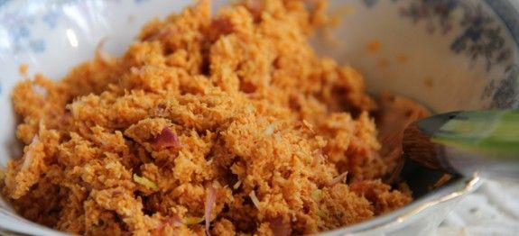 Pol Sambola (Coconut Sambol)...via Sri Lankan Food & Recipes...