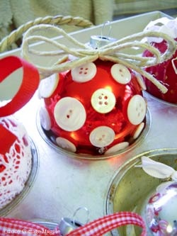 DIY christmas ornament buttons