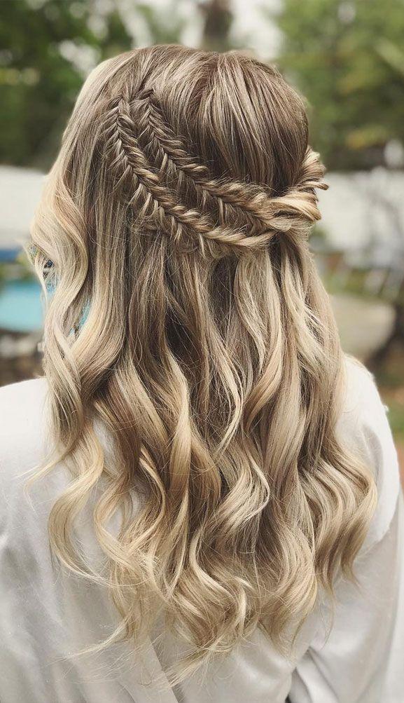 39 Gorgeous Half Up Half Down Hairstyles Braid Half Up Half Down Hairstyles Fishtail Braided Half Up Half Down Boh In 2020 Down Hairstyles Hair Styles Half Up Hair