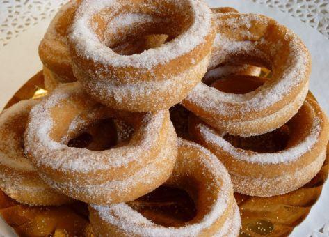 Roscas Chilenas, una deliciosa receta casera para endulzar los fríos días de invierno en familia o festejar las navidades y el fin de año.