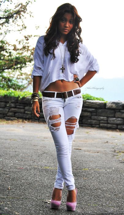 summer outfitRipped Jeans, Sexy, Summer Outfit, Pink Heels, White Pants, Jean Outfits, Pink Shoes, Pink Fashion, Jeans White