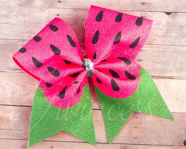 This summer watermelon cheer bow is made with a single layer of 3″ grosgrain ribbon and gorgeous cracked ice fabric*. The design is dyed into the fabric.This wo