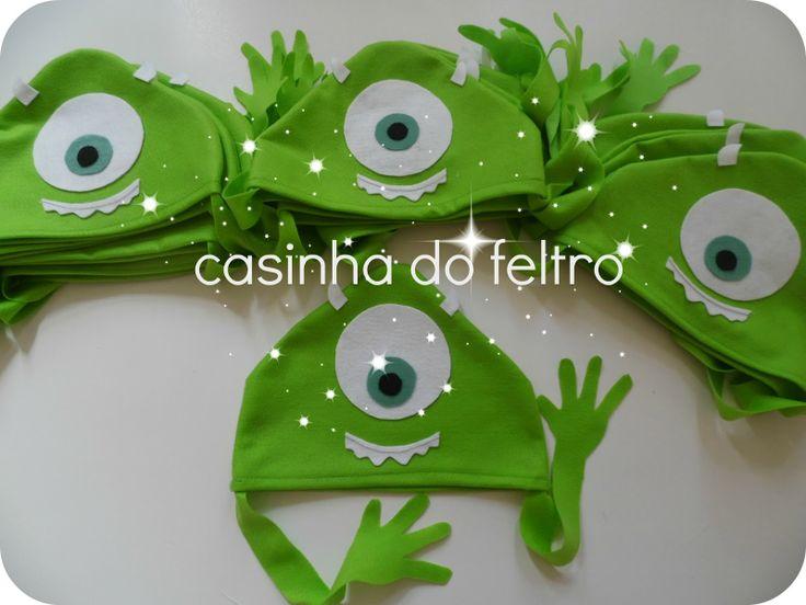 CASINHA DO FELTRO: FESTA MONSTROS S/A - TOUCAS E SACOLAS