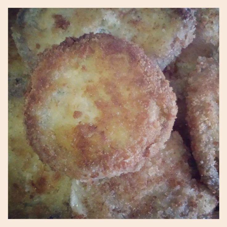 Melanzane in carrozza.  Una gustosa ricetta da provare. I dettagli su => http://www.cucinareconsapienza.altervista.org/melanzane-in-carrozza-3/
