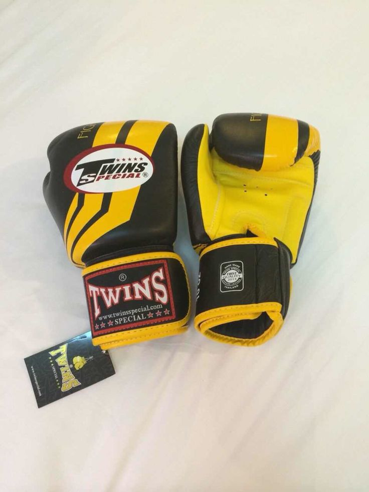 TWINS Fighting Spirit/Yellow Twins Special Premium Leather  Made in Thailand  Size & Price: -   8oz: IDR 800,000.00 - 10oz: IDR 850,000.00 - 12oz: IDR 900,000.00 - 14oz: IDR 950,000.00  Contact: BOXAH Email: info@boxah.com Web: www.boxah.com Instagram: Boxahid Whatsapp: +6281295058111 BBM: 2B0D591A